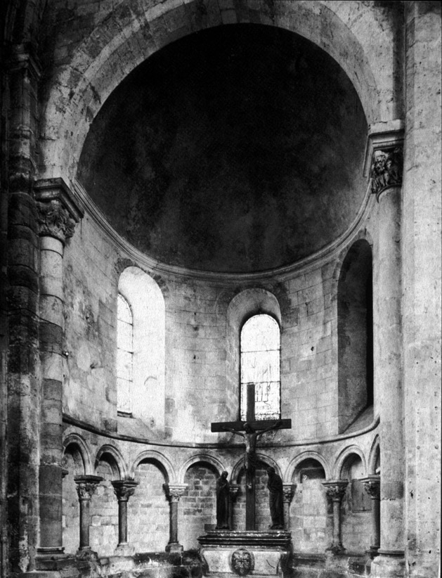essays on gothic cathedrals Final essay: romanesque vs gothic architecture the gothic cathedrals were beautifully crafted and let the light of god shine into the church.